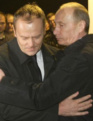 Sikorski: - Putin tilb�d Polen halve Ukraina