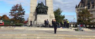 Skuddveksling inne i Canadas nasjonalforsamling