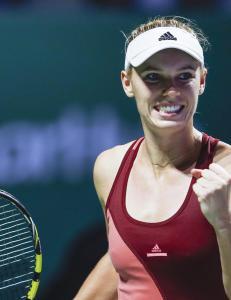Wozniacki til semifinale uten � sl� en eneste ball