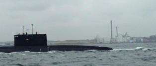 Her er det null tvil: Den russiske ub�ten seiler forbi Sverige