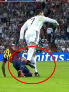 Dette sparket ga Ronaldo gult kort