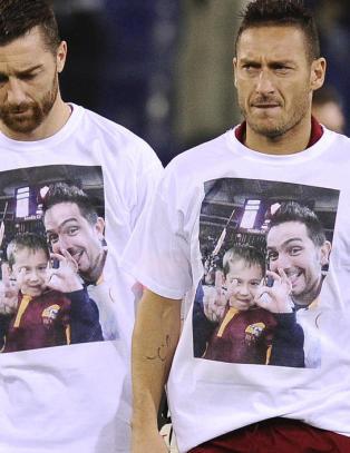 Far og s�nn (7) tok selfie p� Roma-kamp, men kom aldri hjem
