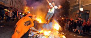 Etter den store triumfen gikk fansen amok: - Angrep politiet med flasker