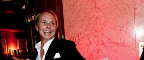 - Jeg har aldri bedt om afterski, champagne, cheerleading, spesialbooket DJ eller dildo-show med Petter Pilgaard.