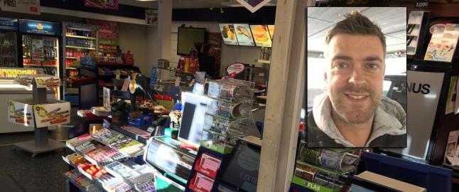 Halloween-kledte barn robbet kiosken mens foreldrene sto og s� p�