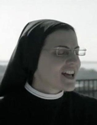 Nonnen Cristina ble verdenskjent i �The Voice�. Du vil ikke tro hvilken sang hun debuterer med