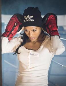 Kvinne god nok til � oppheve bokseforbudet