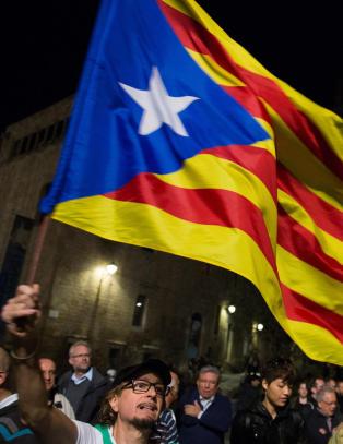 Katalanere i stemmek� for � l�srive seg fra Spania