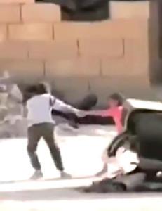 Syrisk gutt hyllet som helt etter � ha reddet ei jente fra snikskytter