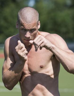 Da pappa Magne d�de og onkel Erling ble tatt for Nokas-ranet, ga Kai Robin opp boksinga.