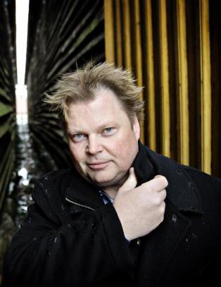 Politiet svikter i J�rn Lier Horsts (43) nye bok - akkurat som i Monika-saken