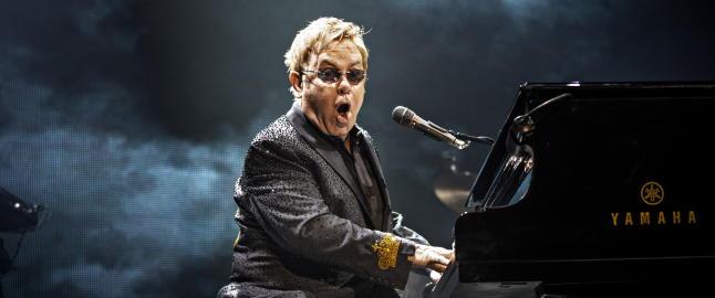 Elton Johns signeringsferd