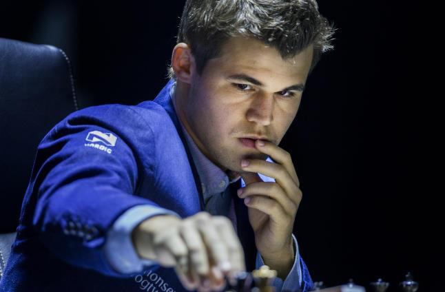 Statsminister Medvedev skal ta Magnus Carlsens f�rste trekk
