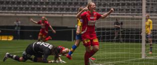 Gravid kaptein m�tte byttes ut i pausa. Da snudde LSK cupfinalen