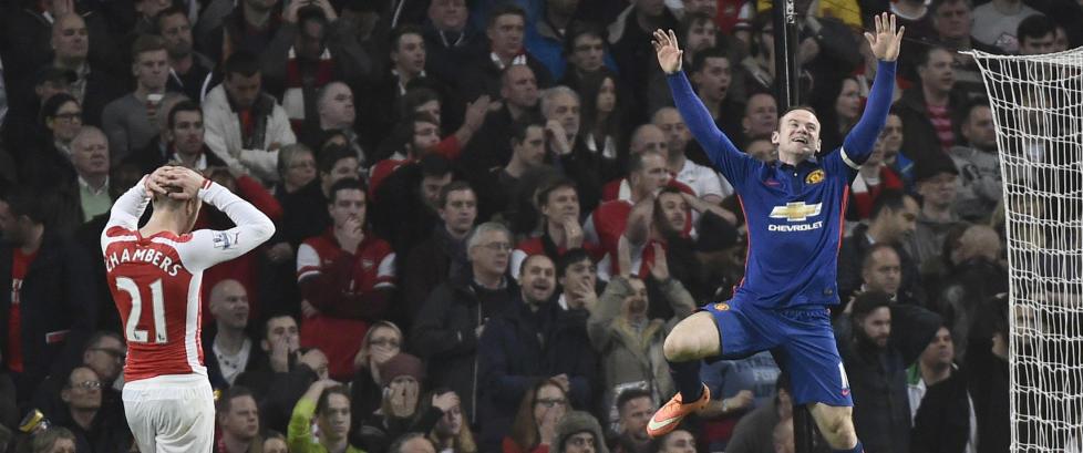 Arsenal klart best mot United - s� satte Gibbs ballen i eget nett