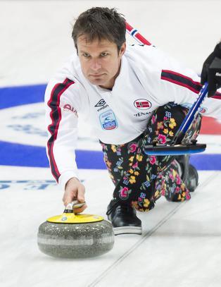 Curlinggutta startet med tap, men slo sterkt tilbake