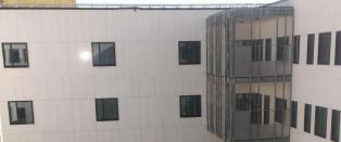 - Dette ser jo ut som et fengsel, sier psykiatri-nestor Einar Kringlen