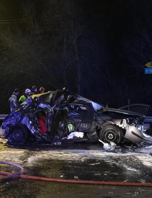 Mann hardt skadd etter trafikkulykke p� E18 i Aust-Agder