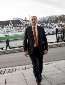 Robert Eriksson: Varsler sosialrevolusjon