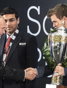 Forsinket Putin hyllet Magnus Carlsen