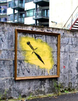Bergensernes maniske narsissisme oppsummeres presist p� veggene