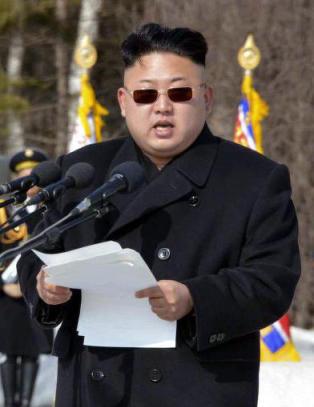 - Kim er desperat siden han m� velge s�steren sin
