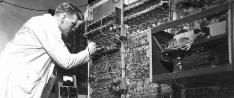 Nav har brukt 700 millioner p� et datasystem som ikke virker. Hva er det med norske, offentlige datasystemer?
