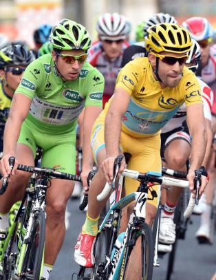 - Tour de France kan vare i ti dager eller to uker