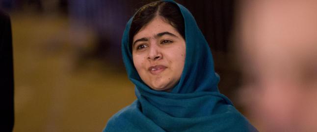 Reagerer p� at menn har f�tt instruks om � ikke h�ndhilse p� Malala (17) under Nobel-bes�ket