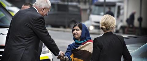 Nobel-sjefen snur: Har likevel ikke nekta menn � h�ndhilse p� Malala
