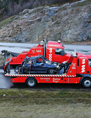 To norske kvinner d�de i trafikkulykke i Sverige