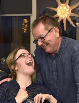 Pappaen til Annelin (27) er �rsaken til at alle skadde n� vil f� h�yere erstatning