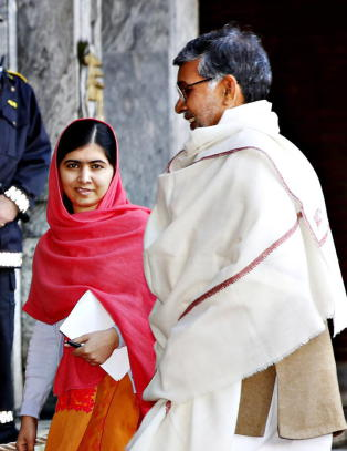 Tviler fortsatt p� Malalas intensjoner