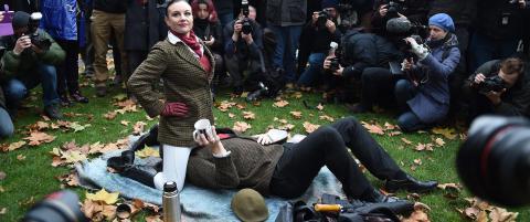 De protesterer for retten til � gj�re akkurat det det ser ut som