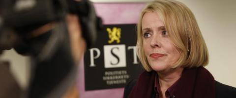 PST-sjefen vil avvente egne spionunders�kelser