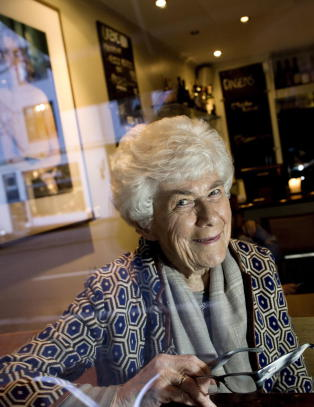 Alle kokkers mor sluttet � adoptere da hun ble 90