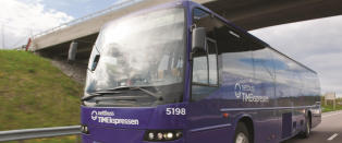 Bussj�f�r d�de - kollapset over rattet med 40 passasjerer i 90-sonen p� E6