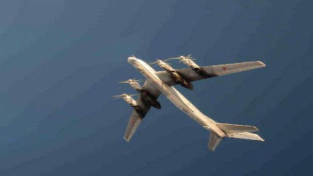 Svensk jager�flypilot tok bilde av russiske bombe�fly: -Det verste vi har sett siden den kalde krigen