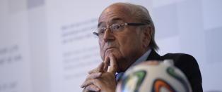 Sepp Blatter t�r ikke forlate Sveits