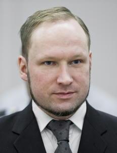 Fengselet nekter Breivik � sende brev, mener han pr�ver � etablere terrornettverk