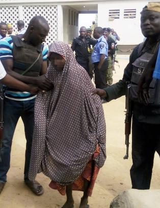 13-�ring nektet � sprenge seg selv i Nigeria