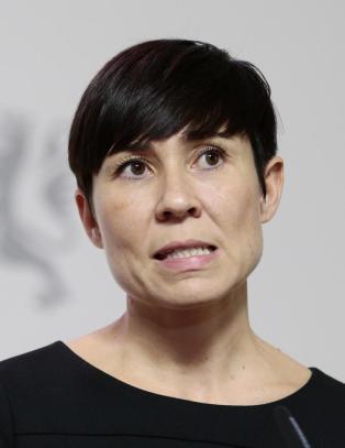 Forsvarsministeren varsler ny granskning etter Dagbladets b�tavsl�ringer