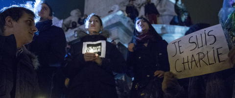Gr�tende franskmenn: �Blekk skal renne, ikke blod!�