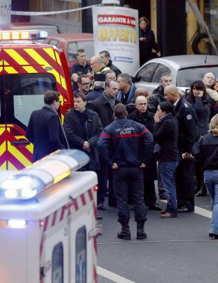 Politikvinne drept i skyteepisode utenfor Paris