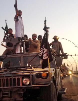 Ten�ringsjenter p�grepet: - ville ofre seg som IS-slaver