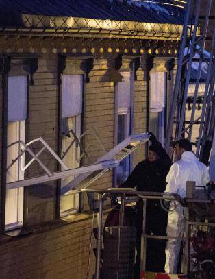 Mistenkelig d�dsfall i Trondheim. Kvinne funnet i trappeoppgang