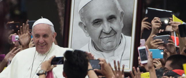 Paven: - Katolikker b�r ikke formere seg som kaniner