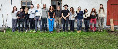 Mener at NRKs �Anno� er ren kopi av TV 2s �Farmen�