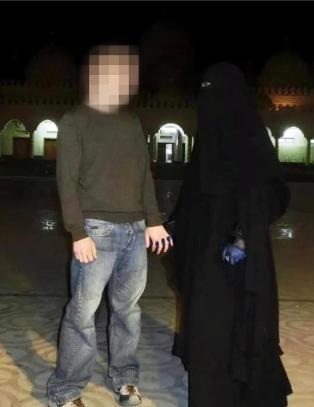 Tr�nderkvinne konverterte og tok med ektemannen til IS i Syria