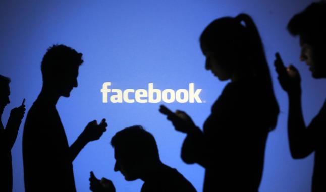 Facebook og Instagram i svart i en time. Ekspertene forklarer rykteflommen